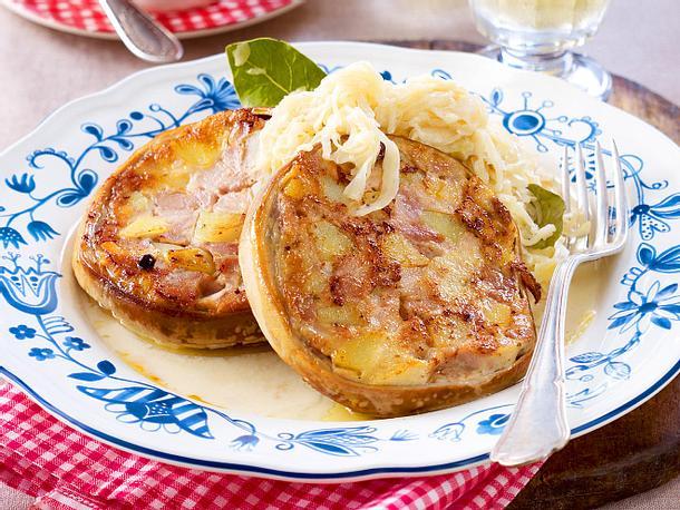 Pfälzer Saumagen mit Rahmsauerkraut und Bratkartoffeln (nach Alt-Bundeskanzler Helmut Kohl) Rezept