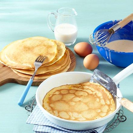 pfannkuchen rezept chefkoch rezepte auf kochen backen und schnelle gerichte. Black Bedroom Furniture Sets. Home Design Ideas
