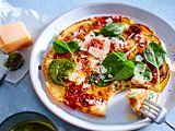 Pfannkuchen-Frittata mit Spinat und Tomaten Rezept