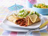 Pfannkuchen mit Bolognesefüllung mit Salatbeilage Rezept