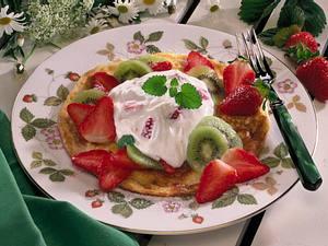 Pfannkuchen mit Quark und Früchten Rezept
