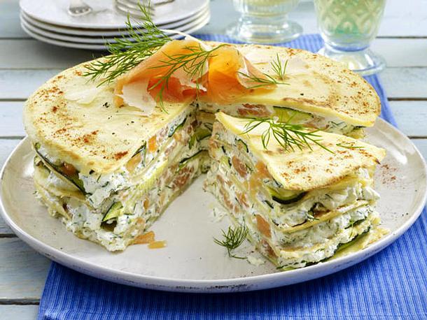 Pfannkuchen-Torte mit Lachs Rezept