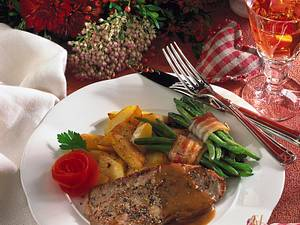 Pfeffer-Schnitzel mit grünen Bohnen und Röstkartoffeln Rezept