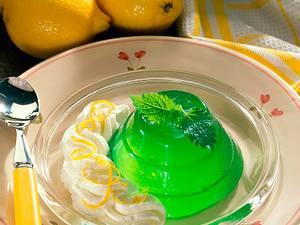 Pfefferminzgelee mit Zitronensahne Rezept