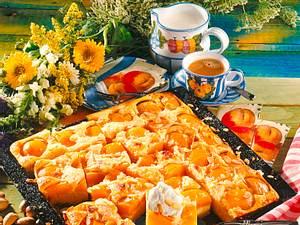 Pfirsich-Buttermilchkuchen vom Blech Rezept