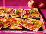 Pfirsich-Flammkuchen mit Brie Rezept