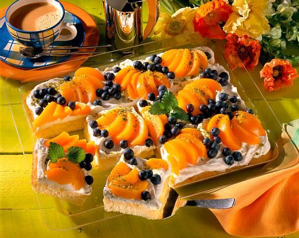 Pfirsich-Heidelbeer-Kuchen Rezept