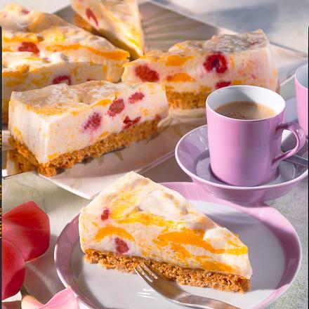 Pfirsich-Joghurt-Torte mit Himbeeren Rezept