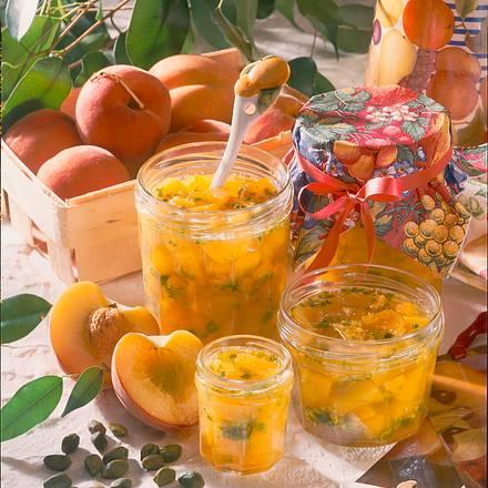 Pfirsich-Marmelade mit Pistazien Rezept