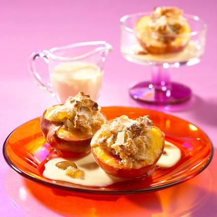 Pfirsich mit Makronenhaube Rezept