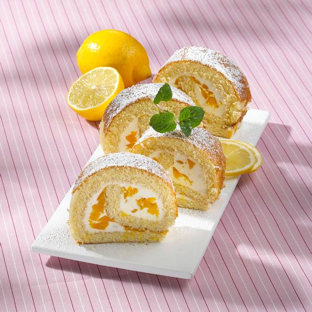 Pfirsich-Zitronen-Biskuitrolle (Diabetiker) Rezept