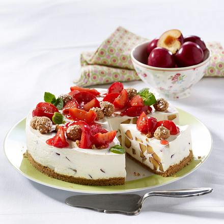 Pflaumen-Amarettini-Torte Rezept