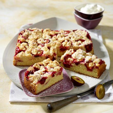 Pflaumenkuchen mit Marzipanstreusel Rezept
