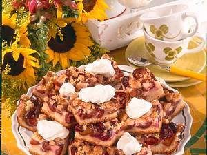 Pflaumenkuchen mit Schmandguss und Zimtstreusel Rezept