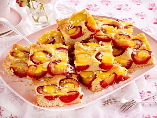 Pflaumenkuchen mit Vanille Schmand-Guss Rezept