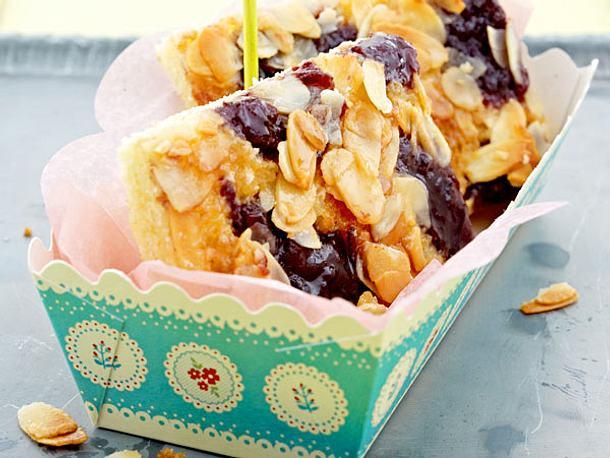 kuchen backen butterkuchen rezept torte. Black Bedroom Furniture Sets. Home Design Ideas