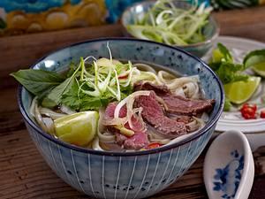 Pho Bo (Nudelsuppe mit Rindfleisch) Rezept