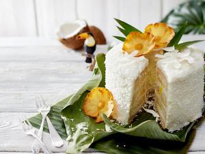 Piña-colada-Angelcake mit Ananas Rezept