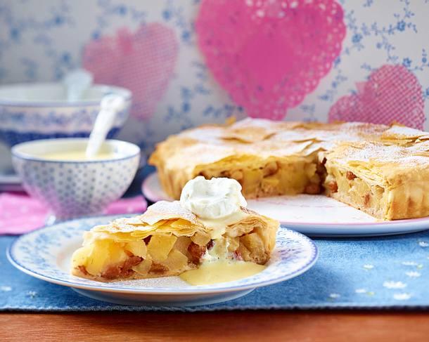 Pie mit Winterapfel und Vanillesoße Rezept