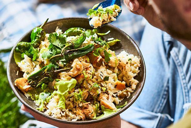 Pilaw-Reis(e) mit Hähnchen und Pimientos de Padrón Rezept