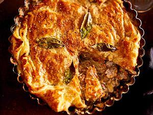 Pilz-Pie unterm Teigmantel Rezept