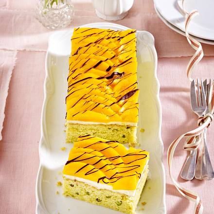 Pistazien-Mandel-Kuchen mit Mango Rezept