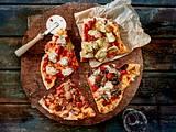 Pizza classico mit vier köstlichen Beilagen Rezept