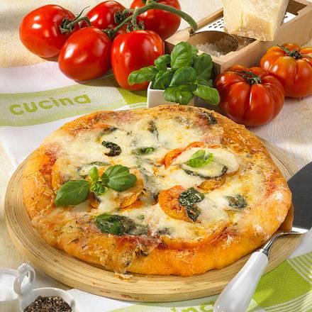 pizza margherita rezept chefkoch rezepte auf kochen backen und schnelle gerichte. Black Bedroom Furniture Sets. Home Design Ideas