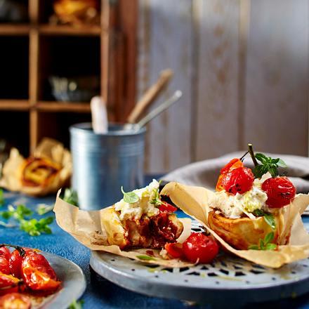 Pizza-Margherita-Cupcakes mit Ofentomaten Rezept