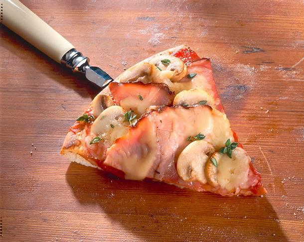 Pizza mit gekochtem Schinken Rezept
