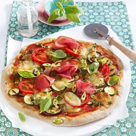 pizza mit gem se und schinken rezept chefkoch rezepte auf kochen backen und. Black Bedroom Furniture Sets. Home Design Ideas