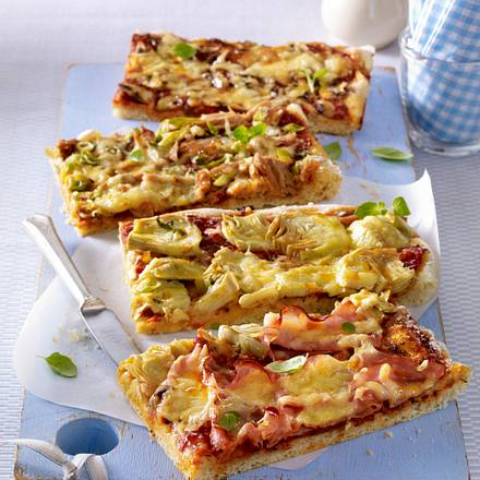 Pizza mit viererlei Belag (quattro stagioni) Rezept
