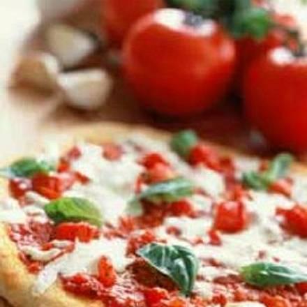 Pizza (Rebecca B.) Rezept