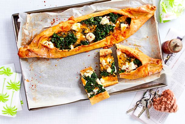 Pizza-Schiffchen im Pide-Style