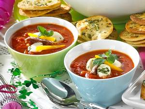 Pizza-Suppe mit Mozzarella Rezept