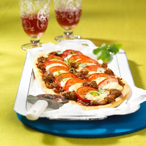 Pizza Tomate-Mozzarella Rezept