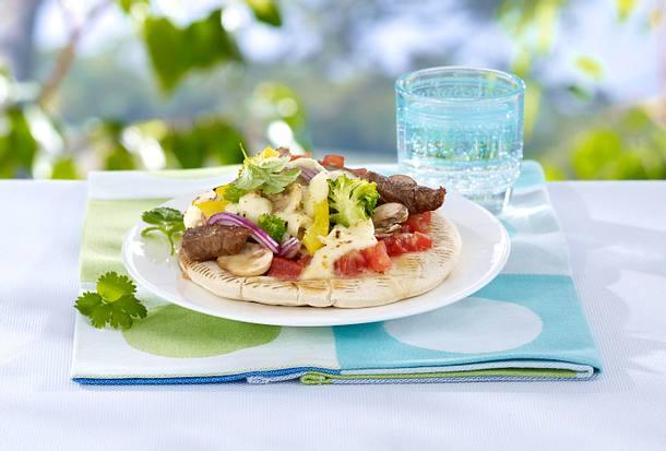 Pizzafladen mit Steak und Gemüse Rezept