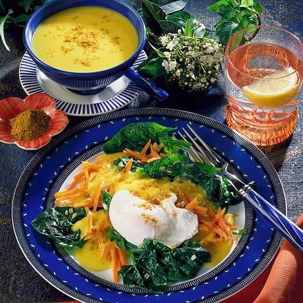 Pochierte Eier auf Spinat-Möhren-Gemüse Rezept