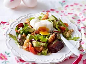Pochiertes Ei auf Salat Rezept