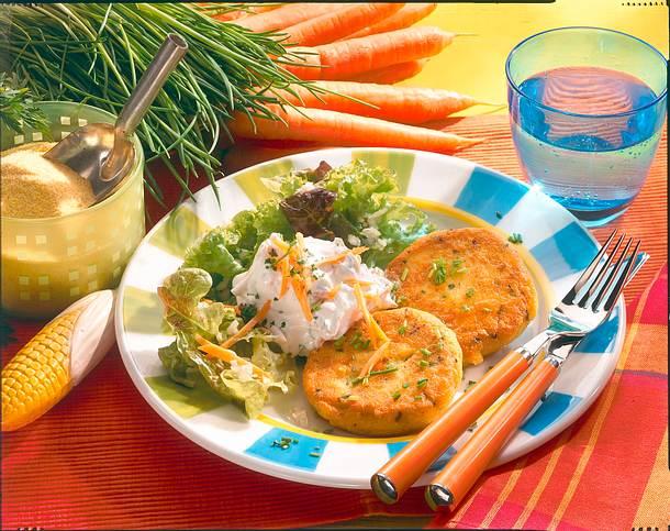 Polenta-Käse-Frikadellen mit Salat Rezept