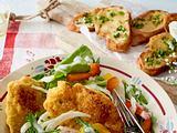 Polenta-Schnitzelchen auf Sommersalat Rezept