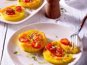 Polentataler mit gebackenem Süßkartoffel-Pastinaken-Püree Rezept