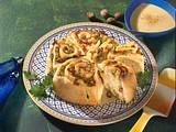 Porree-Speck-Kuchen mit Käsesoße Rezept