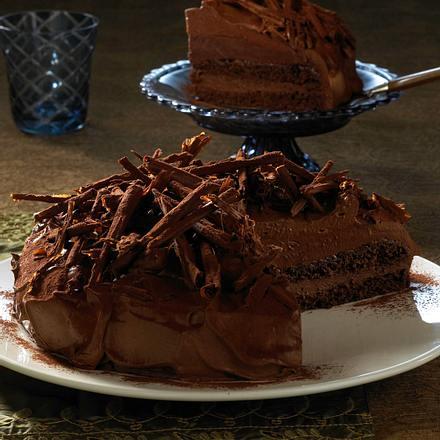 Pralinen-Torte mit Schokoröllchen Rezept