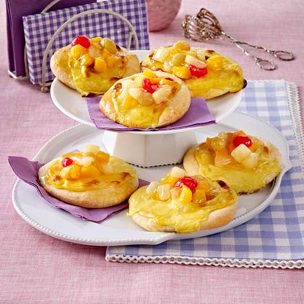 Pudding-Taler mit Fruchtcocktail Rezept