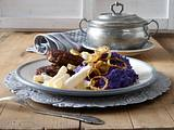 Püree aus blauem Schweden (Kartoffel) zu Schwarzwurzeln und Frikadellen Rezept