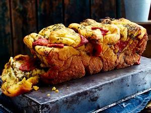 Pull Apart Bread mit Petersilien-Sardellen-Butter Rezept
