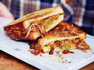 Pulled Pork im Melted-Cheese-Sandwich Rezept