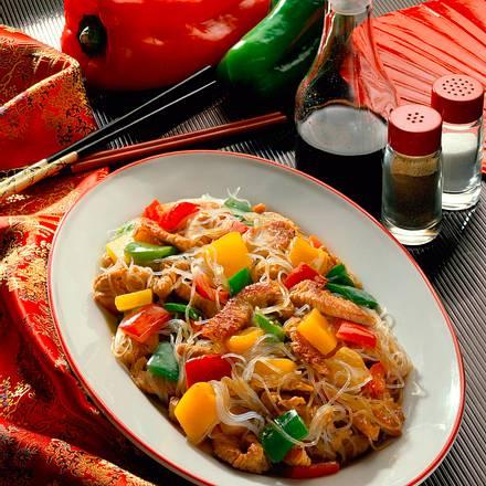 Puten-Paprika-Pfanne mit Glasnudeln Rezept