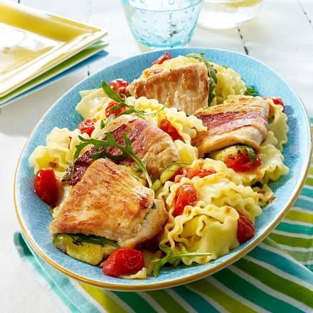 Puten-Saltimbocca mit Tomaten-Nudeln Rezept